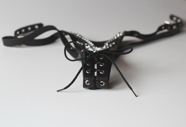 Crotchless G-string with Chain Detail