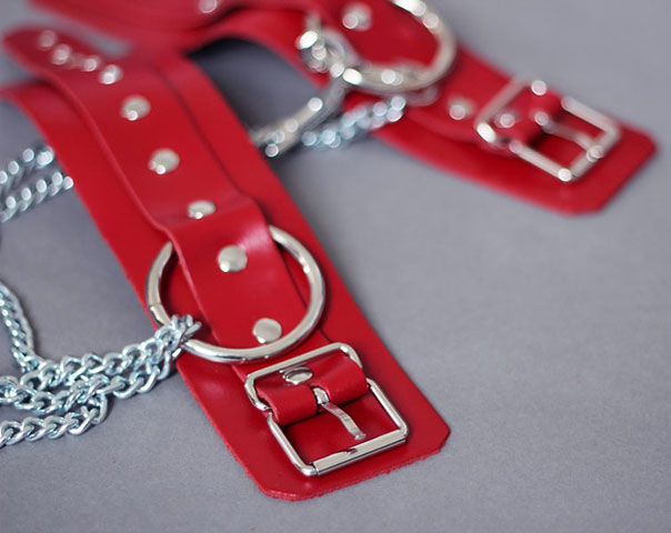 Basic Leather Shackles with Chain