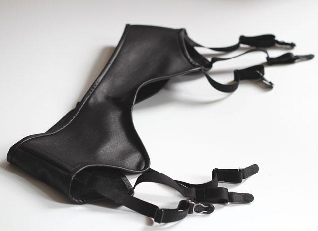 Low Waist Leather Garter Belt