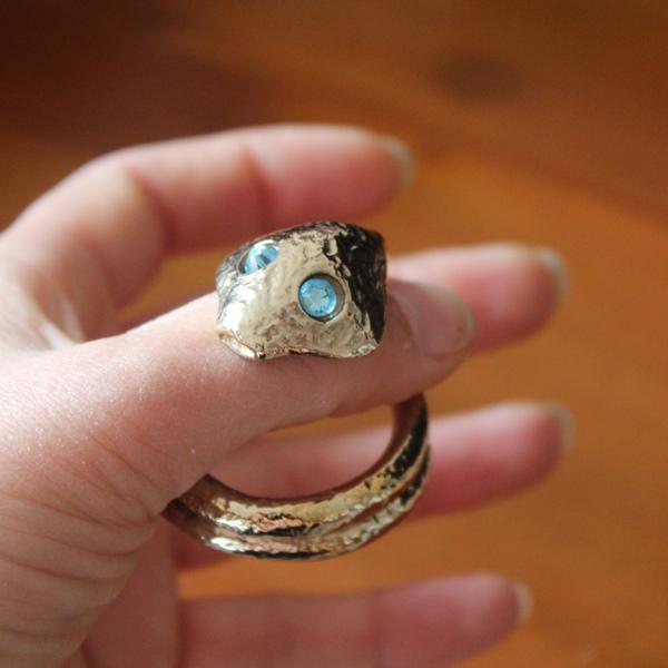 Helmet Ring Cobra