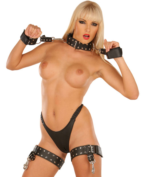 Set of Bondage Cuffs with Collar and Trigger Hooks
