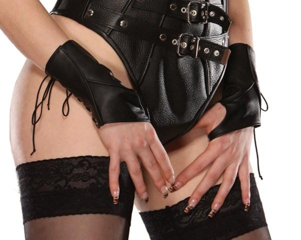 Leather Fingerless Gloves with Stylish Stitching