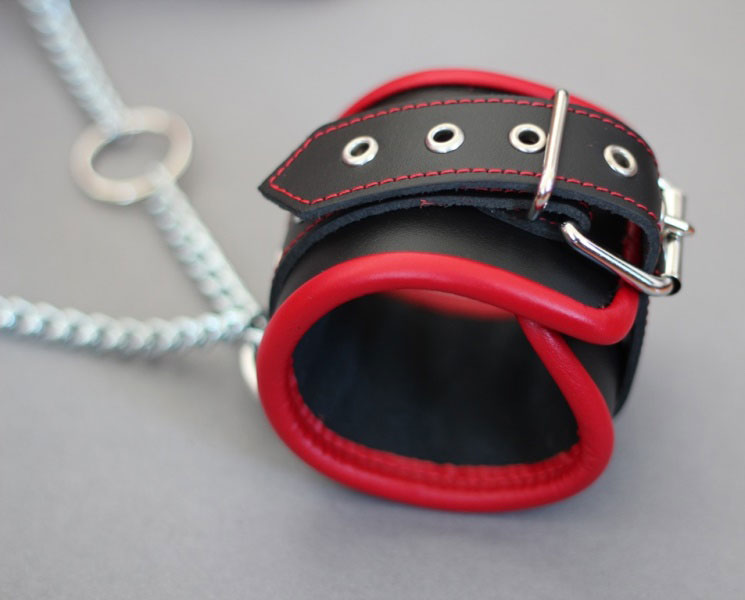 Padded Leather Shackles with Chain