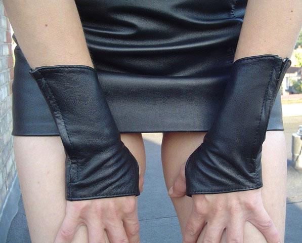 Elegant Fingerless Gloves