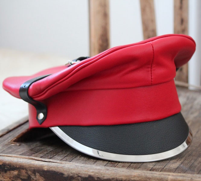 Red Muir Cap in Leather